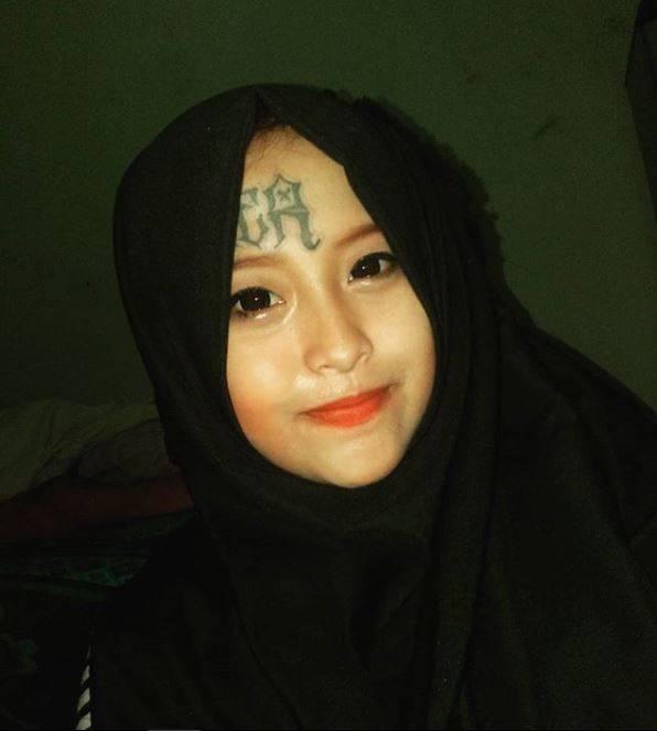 Kwikku, Diketahui ia adalah gadis asal Solo dan baru sebulan terakhir memutuskan menggunakan hijab