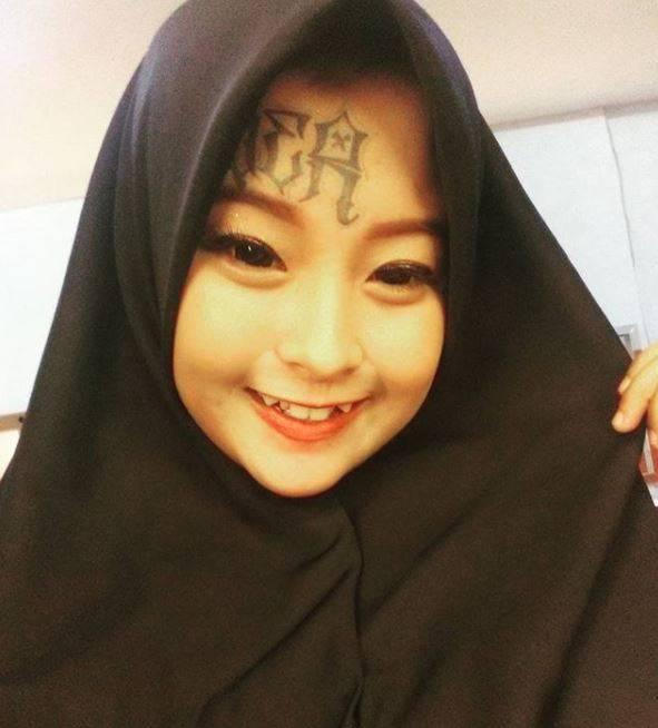Kwikku, Ia mengaku pertama kali ingin hijrah karena sering nonton filmfilm religi Manis banget ya guys senyumnya