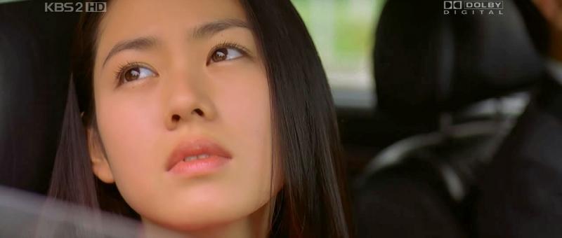 Kwikku, Son Ye Jin memang dikenal sebagai aktris layar lebar Total sebanyak  judul film mulai dari The Classic A Moment to Remember Be With You My Wife Got Married Spellbound