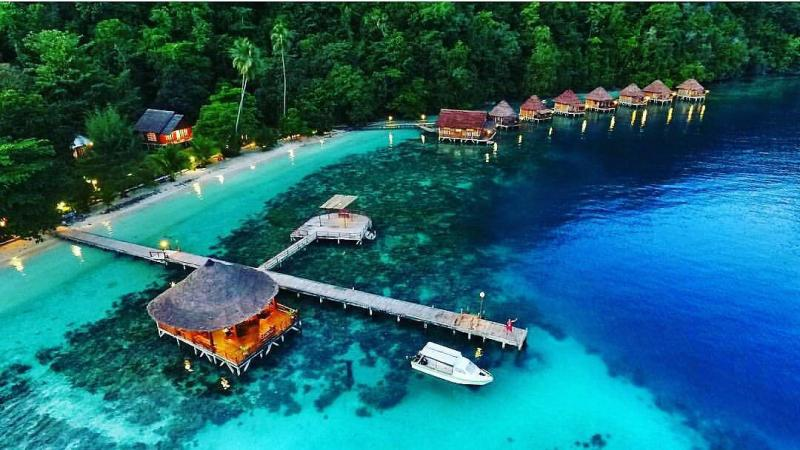 Kwikku, Pantai Ora  Maluku