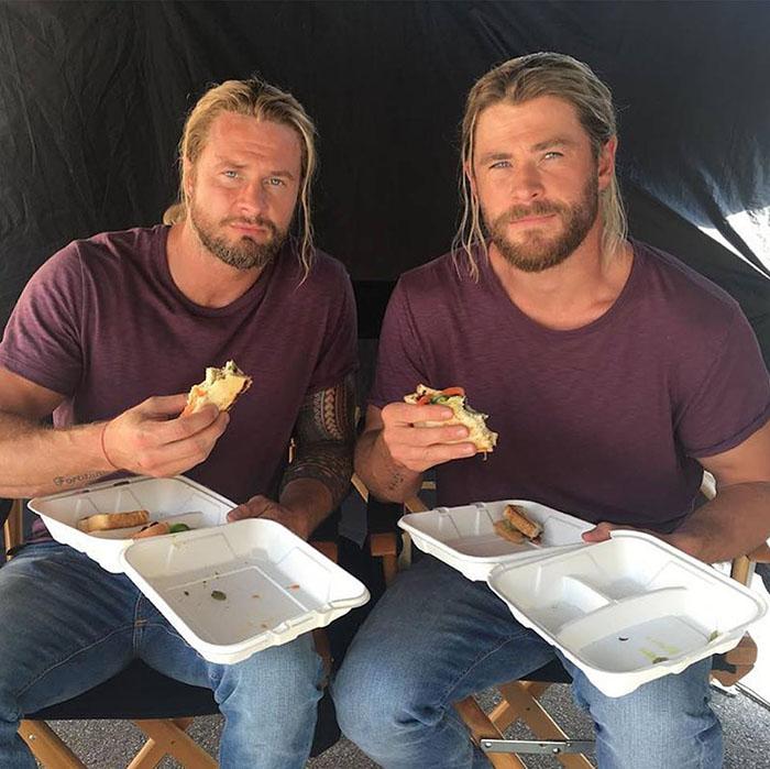 Kwikku, Chris Hemsworth Thor bersama dengan stuntmannya Bobby Holand Kok hampir tidak bisa dibedakan ya