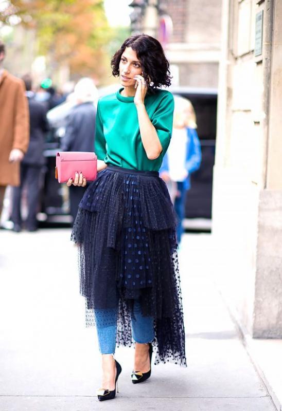 Kwikku, Paduan jeans tule hitam ala skirt dan O Shirt bisa membuat penampilan lebih girly