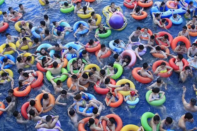 Kwikku, Kebayang nggak sih kamu berenang di kolam seperti ini