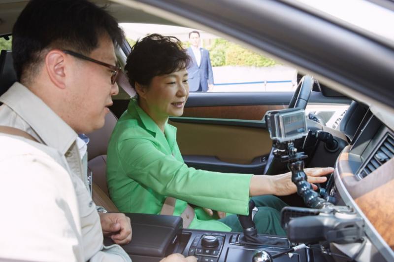Kwikku, Di Korea Selatan anakanak dan remaja usia  tahun masih disupiri oleh orang tua Namun berbeda dengan di Amerika yang mana para remaja sudah mengendarai mobilnya sendiri dan have fun bersama temanteman