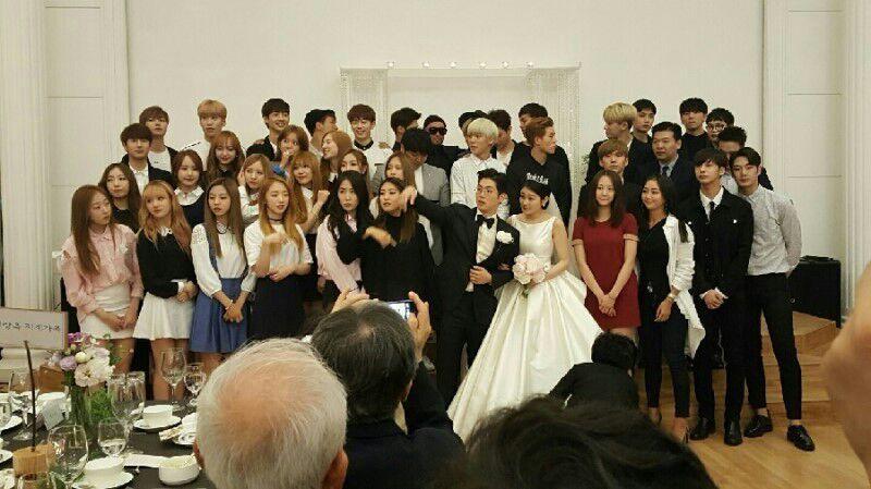 Kwikku, Rapper Mad Clown menikahi kekasihnya yang bukan dari kalangan selebriti pada  lalu Hampir seluruh bintang Starship Entertainment datang di upacara pernikahannya