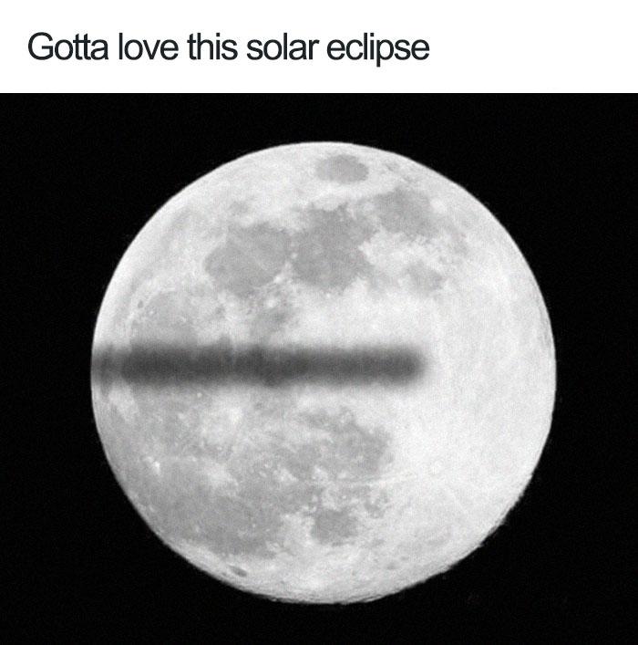Kwikku, Eclipse bakal kaya gini jadinya kalau bumi datar Ini sih bukan gerhana namanya tapi cuma numpang lewat