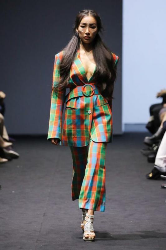 Kwikku, Moon Gabi adalah model langganan dari desainer Greedilous