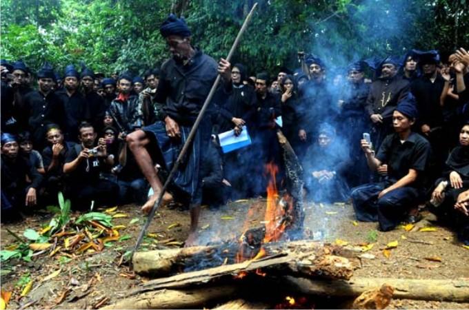 Kwikku, Suku Kajang Amma Toa di Sulawesi