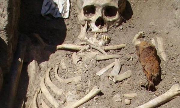 Kwikku, Kuburan di Sozopol Bulgaria