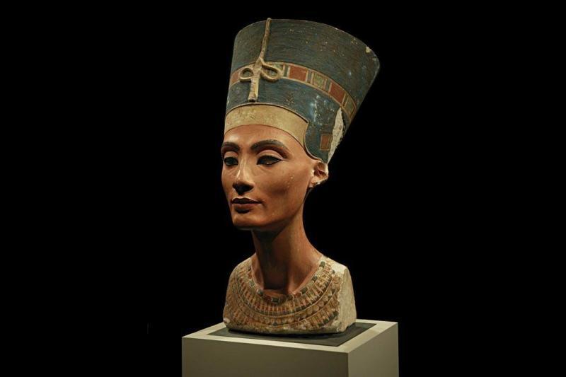 Kwikku, Ratu Nefertiti