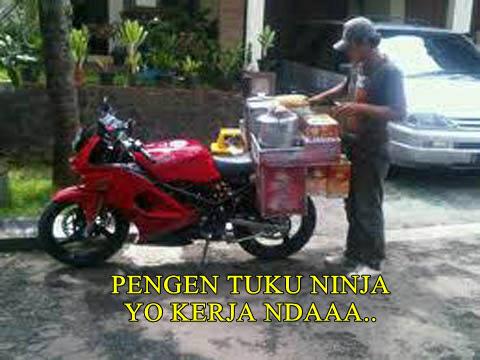 Kwikku, Make ninja buat jualan somay Om satu ini mendadak populer di kalangan tukang jamu