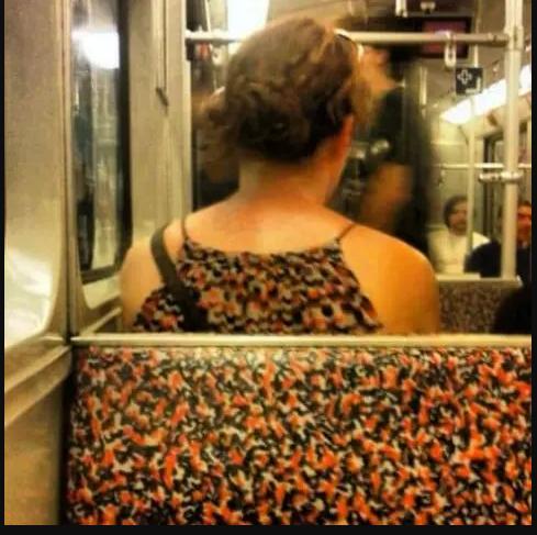 Kwikku, Kayaknya dia gak sadar kalo warnya bajunya sama kayak warna kursi yang ia duduki