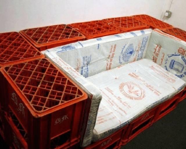 Kwikku, Seseorang mampu mencurahkan keinginannya untuk membeli sofa dengan membuatnya sendiri menggunakan bahan seadanya
