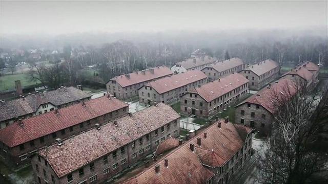 Kwikku, Auschwitz dari atas menggunakan drone