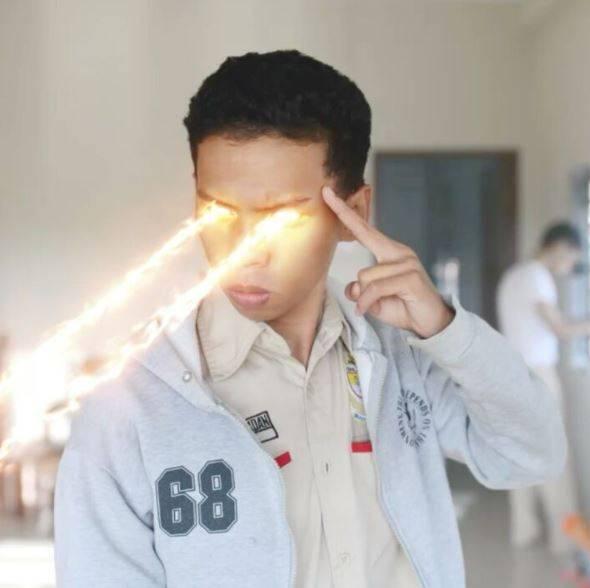 Kwikku, Mata laser Karena terlalu banyak nonton film Hollywood ini mah bray