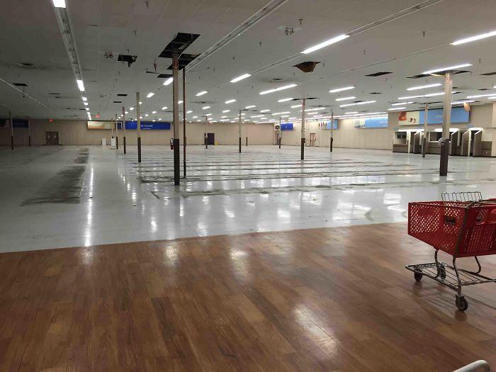 Kwikku, Supermarket yang belum diisi Luas banget