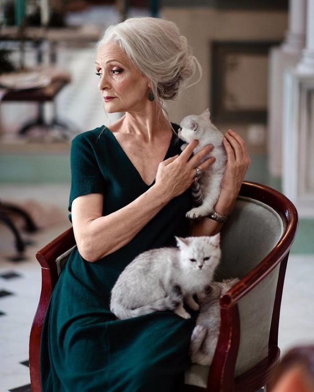 Kwikku, Sangat cantik Mungkin itu kata pertama yang kalian ucapkan jika umur Valentina Yasen masih sekitar an Pada usianya yang sudah menginjak  tahun ia masih tetap nampak sangat cantik kucingnya juga imut banget