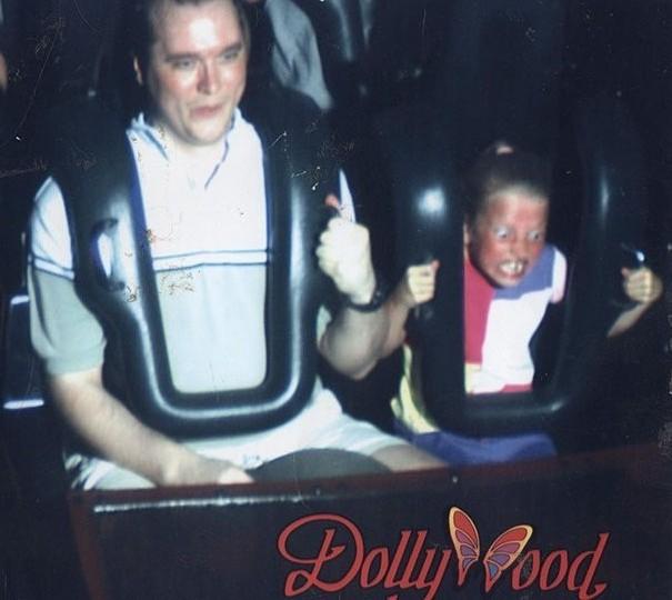 Kwikku, Kontras banget ekspresinya bokap sama anak beda banget ekspresinya ketika menaiki Roller Coaster ini
