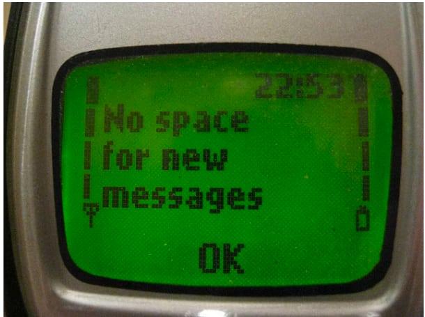 Kwikku, Cuma berisi  SMS aja udah full memori HPnya coba bandingkan dengan jaman sekarang