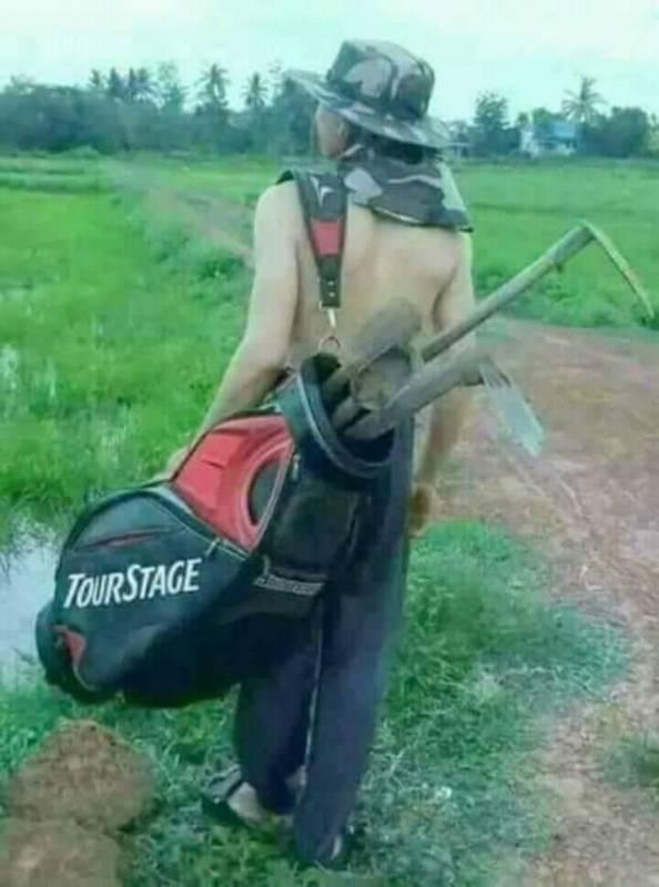 Kwikku, Gayanya udah kece mirip dengan pamain golf professional tapi ternyata itu hanyalah mimpi Bawa cangkul aja gayanya sampe segitunya