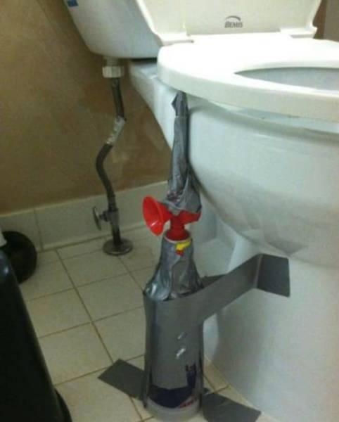 Kwikku, Bukan hanya di area kerja saja yang memiliki potensi prank tingkat tinggi ada kalanya ketika kalian ingin menanangkan diri di toilet kalian mungkin akan di kejutkan juga dengan prank terompet yang satu ini