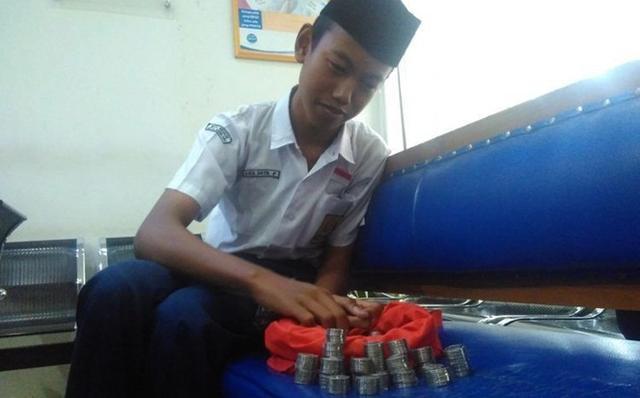 Kwikku, Membayar uang sekolah dengan tabungan koin