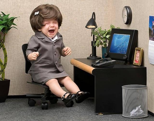 Kwikku, Aduh menggemaskan sekaliiiii Udah cantik kecil di pakaikan pakaian kantoran lagi Masih kecil kok udah jadi karyawan wakakakak
