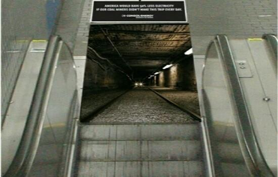 Kwikku, Eskalatornya seperti tembus ke dalam terowongan bawah tanah guys