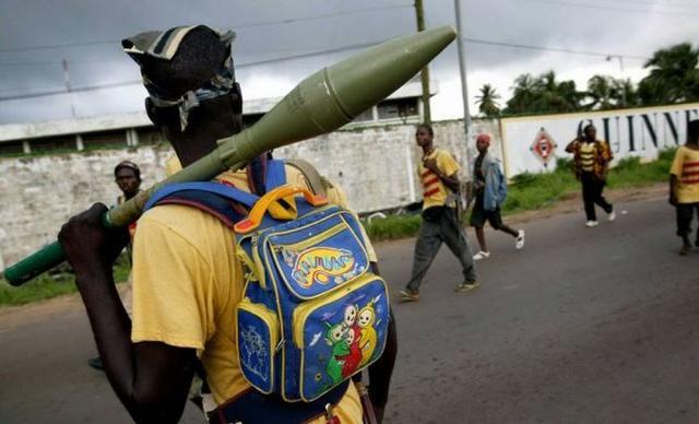 Kwikku, Hanya di Zimbabwe ketika orang tawuran bawa bazokaa dengan tas teletubis di punggung