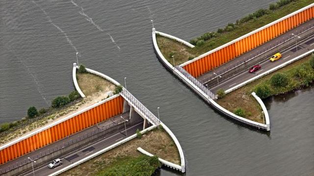Kwikku, Bukan dibangun di atas danau Jembatan Aqueduct Veluwemeer Belanda malah di bawah kawasan perairan tersebut