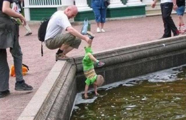 Kwikku, Gak sayang anak nih bapak Dalem banget tuh kolamnya bray