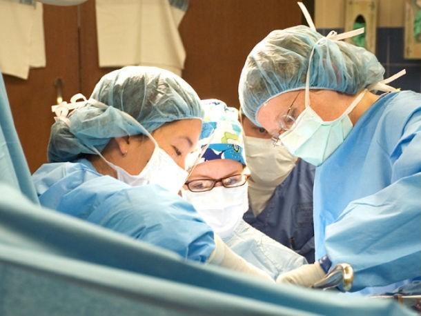 Kwikku, Para dokter di China ternyata memiliki ambisi kuat untuk melakukan transplantasi kepala manusia paling pertama di dunia