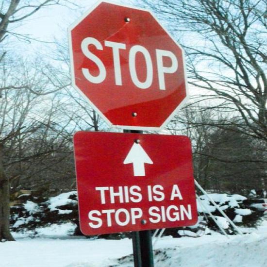 Kwikku, Kalau peringatan stop diatasnya sudah cukup buat apa ada peringatan bantuan dibawahnya sih Kan aneh