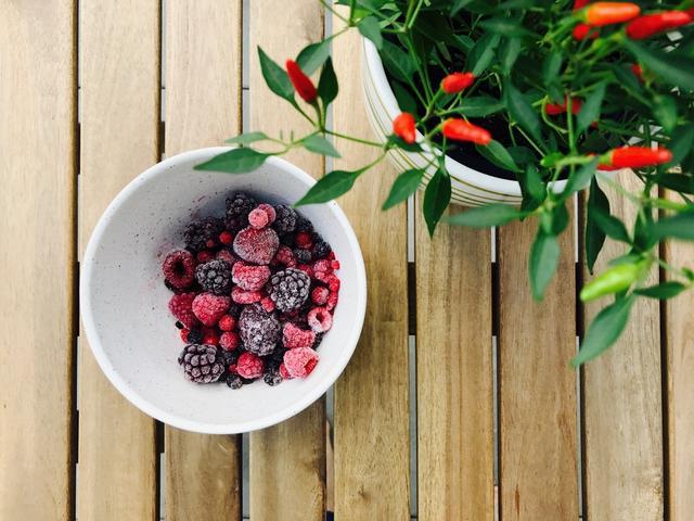 Kwikku, Tak ada salahnya untuk mulai menanam tanaman yang sebentar akan berguna untuk kebutuhan dapur Tomat dan cabai akan sangat mudah untuk di jadikan acuan