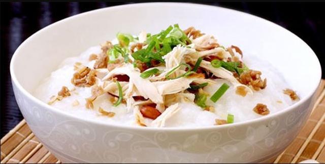 Kwikku, Bubur ayam tentu saja menjadi makanan langganan anak kost karena dengan harganya yang sangat terjangkau Rp  udah dapet banyak