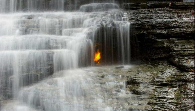 Kwikku, Air Terjun Api Abadi New York Amerika Serikat