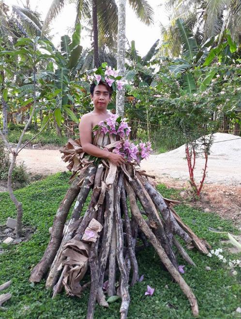 Kwikku, Nih gaun pengantin dari kayu bakar ada yang minat