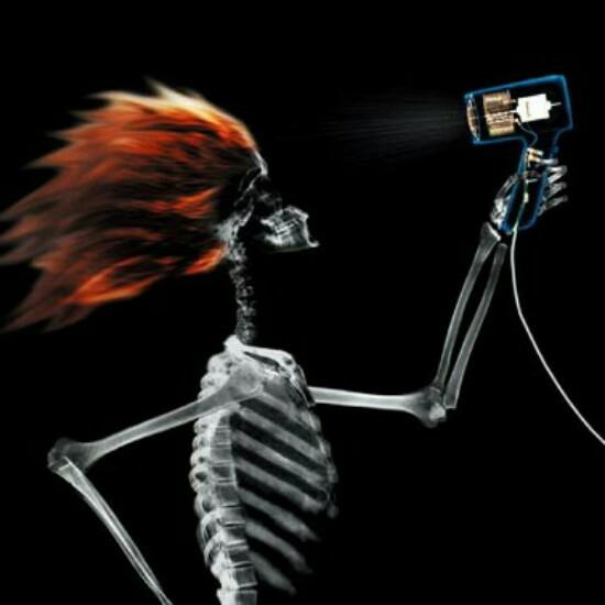 Kwikku, Nih jadinya jika manusia di ronsen ketika sedang menggunakan hair dryer guys wkwkwk