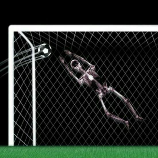 Kwikku, Inilah tampilan tengkorak penjaga gawang ketika sedang mencoba untuk menangkap bola