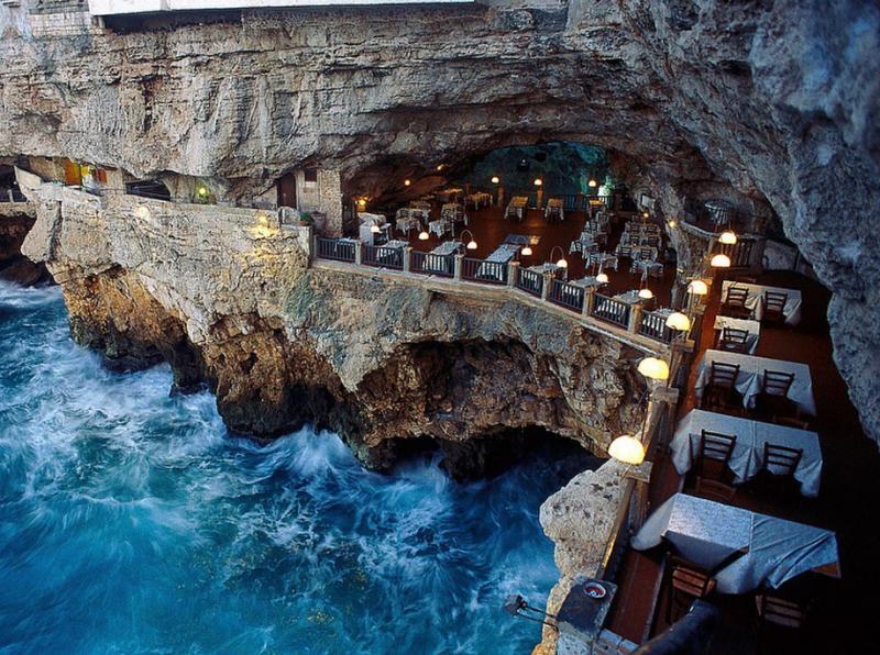 Kwikku, Grotta Pallazzese Italia