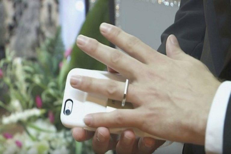 Kwikku, Menikah dengan Iphone Di Las Vegas
