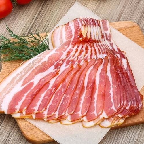 Kwikku, Bacon