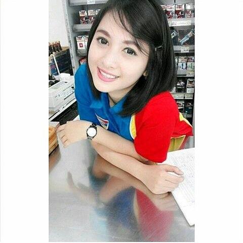 Kwikku, Bernama Siti Rohmah kasir cantik ini sudah lama viral di media sosial