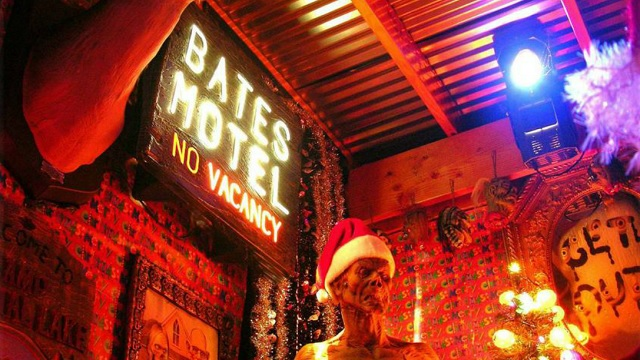 Kwikku, The Bates Motel di Amerika Serikat