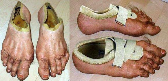 Kwikku, Mungkin orang yang buat itu sukanya nyeker tapi pengen pake sepatu secara bersamaan