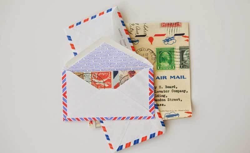 Kwikku, Surat tulis dan perangko