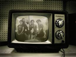 Kwikku, TV layar hitam putih