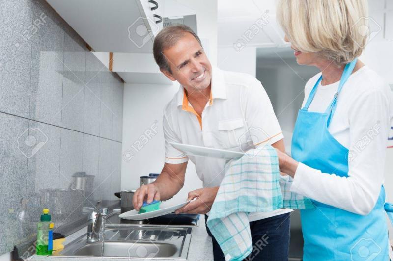 Kwikku, Bantu pekerjaan rumah istri tercinta