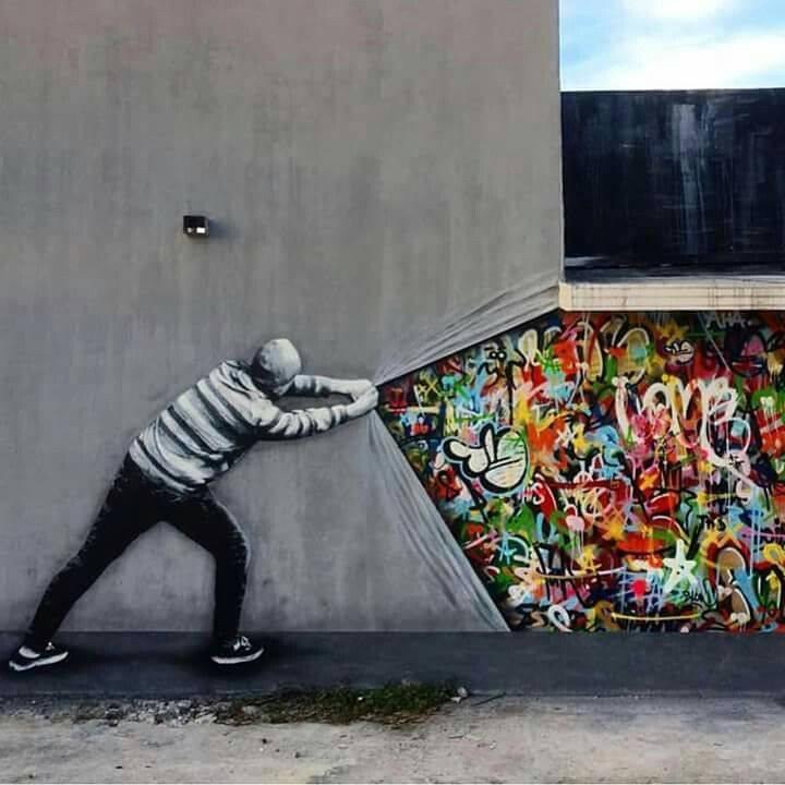 Kwikku, Menyingkap dinding