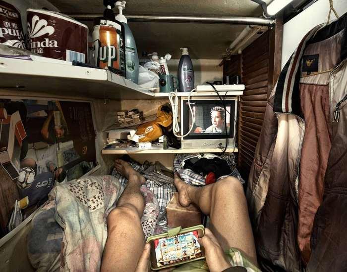 Tak Terbayangkan Begini Kehidupan Dalam Apartemen Sempit di Hongkong